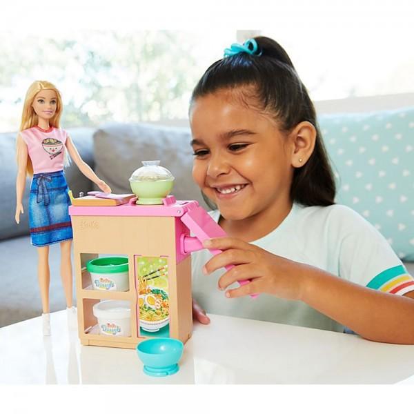 Set Barbie by Mattel Cooking and Baking Pregateste noodles cu papusa si accesorii