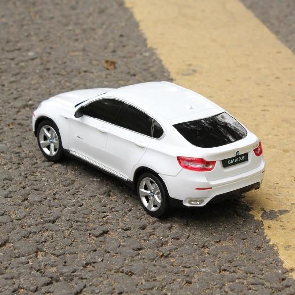 MASINA CU TELECOMANDA BMW X6 ALB CU SCARA 1 LA 24